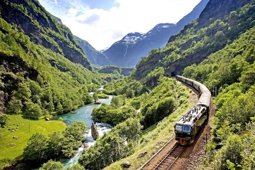 essay on memorable journey by train