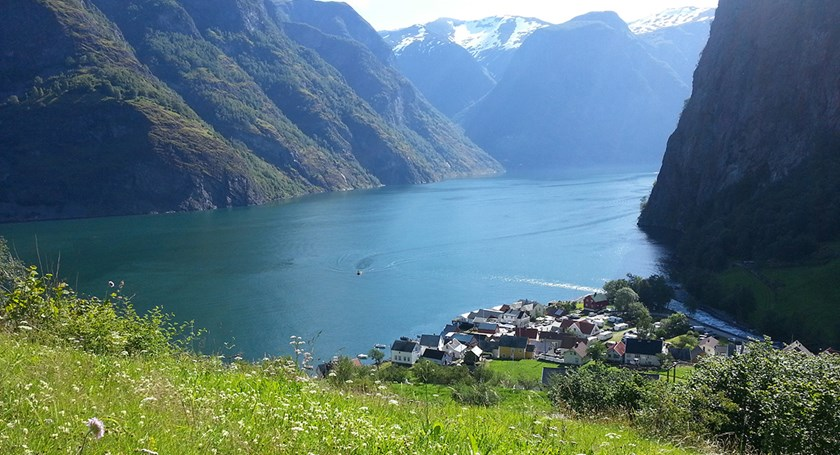 Guided tour of charming Undredal