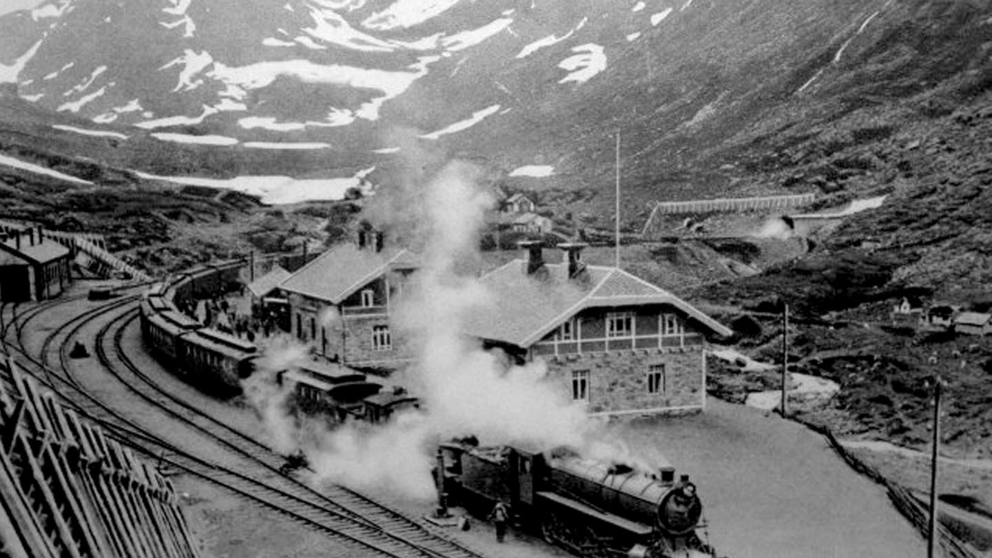 The Flåm Railway and Café Rallaren
